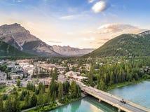 Καταπληκτική εικονική παράσταση πόλης Banff στα δύσκολα βουνά, Αλμπέρτα, Καναδάς Στοκ εικόνα με δικαίωμα ελεύθερης χρήσης