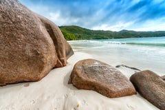 Καταπληκτικοί παραλία και βράχοι Anse Λάτσιο - Praslin, Seychelels Στοκ εικόνες με δικαίωμα ελεύθερης χρήσης