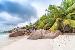 Καταπληκτικοί παραλία και βράχοι Anse Λάτσιο - Praslin, Seychelels Στοκ εικόνα με δικαίωμα ελεύθερης χρήσης