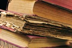 Καταπονημένα παλαιά βιβλία Στοκ Εικόνες