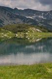 Καταπληκτική άποψη της λίμνης Muratovo, βουνό Pirin Στοκ φωτογραφία με δικαίωμα ελεύθερης χρήσης