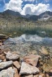 Καταπληκτική πανοραμική άποψη των λιμνών Musalenski και της αιχμής Musala, βουνό Rila Στοκ εικόνα με δικαίωμα ελεύθερης χρήσης