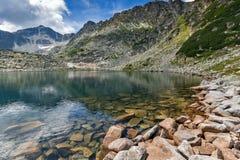 Καταπληκτική πανοραμική άποψη των λιμνών Musalenski και της αιχμής Musala, βουνό Rila Στοκ Φωτογραφία