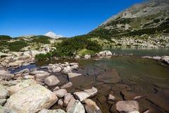 Καταπληκτική πανοραμική άποψη Dalgoto η μακριά λίμνη, βουνό Pirin Στοκ Εικόνα
