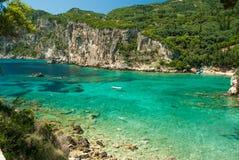 Καταπληκτική πράσινη παραλία Ελλάδα Κέρκυρα Στοκ εικόνα με δικαίωμα ελεύθερης χρήσης