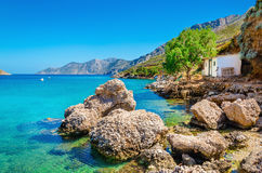 Καταπληκτικός ελληνικός κόλπος με το σαφές νερό, Ελλάδα Στοκ Εικόνα