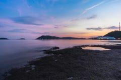 Καταπληκτικός χρόνος λυκόφατος στην Ταϊλάνδη Στοκ Φωτογραφία