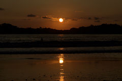 Καταπληκτικό ηλιοβασίλεμα στην παραλία Carrillo της Κόστα Ρίκα Στοκ Εικόνες