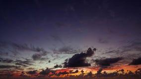 Καταπληκτικό νεφελώδες χρονικό σφάλμα ηλιοβασιλέματος απόθεμα βίντεο