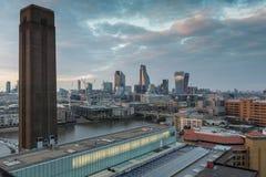 Καταπληκτικό πανόραμα ηλιοβασιλέματος από τη σύγχρονη στοά του Tate στην πόλη του Λονδίνου, Αγγλία, Μεγάλη Βρετανία Στοκ Φωτογραφία