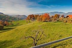 Καταπληκτικό πανόραμα φθινοπώρου στην Ελβετία apls κοντά στην πόλη του Ίντερλεικεν Στοκ φωτογραφίες με δικαίωμα ελεύθερης χρήσης