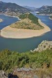 Καταπληκτικό τοπίο του ποταμού Arda και της δεξαμενής Kardzhali Στοκ φωτογραφία με δικαίωμα ελεύθερης χρήσης