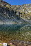 Καταπληκτικό τοπίο των λιμνών Elenski και της αιχμής Malyovitsa, βουνό Rila Στοκ Εικόνα