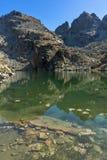 Καταπληκτικό τοπίο των τρομακτικών αιχμών λιμνών και Kupens, βουνό Rila Στοκ φωτογραφία με δικαίωμα ελεύθερης χρήσης