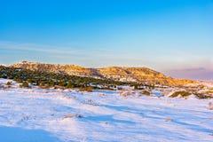 Καταπληκτικό τοπίο χειμερινών χιονώδες βουνών Ρωσία, Stary Krym Στοκ εικόνες με δικαίωμα ελεύθερης χρήσης