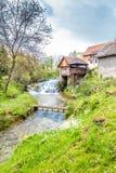 Καταρράκτες και παλαιά κτήρια - Rastoke, Κροατία στοκ φωτογραφία με δικαίωμα ελεύθερης χρήσης