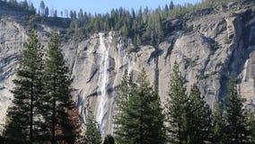 Καταρράκτες σε Yosemite απόθεμα βίντεο