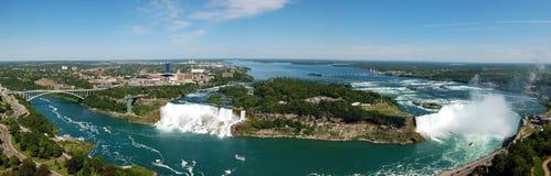 Καταρράκτες του Νιαγάρα, πανοραμική άποψη Στοκ φωτογραφία με δικαίωμα ελεύθερης χρήσης
