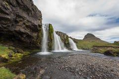 Καταρράκτες Kirkjufell και βουνό, Ισλανδία Στοκ εικόνα με δικαίωμα ελεύθερης χρήσης