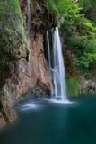 Καταρράκτης και λίμνη στις εθνικές λίμνες Plitvice πάρκων Στοκ εικόνες με δικαίωμα ελεύθερης χρήσης