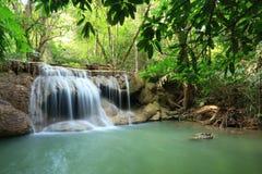 Καταρράκτης παραδείσου σε Kanchanaburi, Ταϊλάνδη. Στοκ εικόνα με δικαίωμα ελεύθερης χρήσης