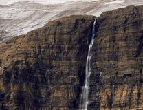 Καταρράκτης που ρέει από τον παγετώνα Salamander, ίχνος παγετώνων Grinnell, εθνικό πάρκο παγετώνων, Μοντάνα Στοκ φωτογραφίες με δικαίωμα ελεύθερης χρήσης