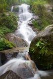 Καταρράκτης στη ζούγκλα κοντά σε Chiang Rai Στοκ φωτογραφίες με δικαίωμα ελεύθερης χρήσης