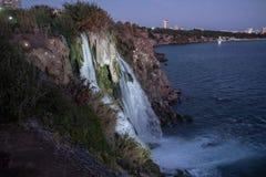 Καταρράκτης στον ποταμό Duden σε Antalya, Τουρκία Πανόραμα πτώσεων ove Στοκ Εικόνες