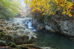 Καταρράκτης Cubo το φθινόπωρο στοκ εικόνες
