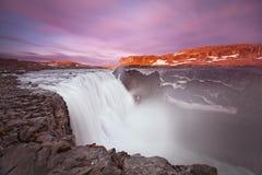 Καταρράκτης Dettifoss της Ισλανδίας στο τοπίο φύσης της Ισλανδίας Διάσημος προορισμός τουριστικών αξιοθεάτων και ορόσημων στην ισ στοκ φωτογραφία με δικαίωμα ελεύθερης χρήσης