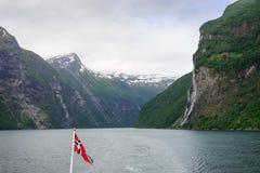 Καταρράκτης Geirangerfjord στη Νορβηγία Στοκ Εικόνες