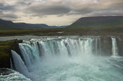Καταρράκτης Godafoss ή καταρράκτης των Θεών, βόρεια Ισλανδία Στοκ Φωτογραφία