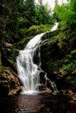 """Καταρράκτης KamieÅ """"czyk ` s που βρίσκεται στην Πολωνία, στα βουνά Sudetes στοκ φωτογραφία με δικαίωμα ελεύθερης χρήσης"""