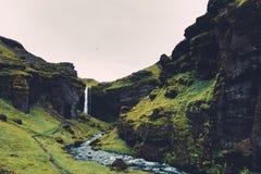 Καταρράκτης Kvernufoss στην Ισλανδία Στοκ Φωτογραφίες