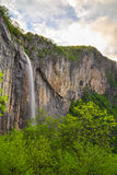 Καταρράκτης Skaklya στα βαλκανικά βουνά, Βουλγαρία Στοκ Εικόνα