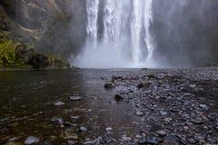 Καταρράκτης ` Skogafoss ` στη νότια Ισλανδία Στοκ φωτογραφία με δικαίωμα ελεύθερης χρήσης