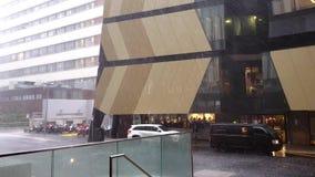 Καταρρακτώδης βροχή κατά μήκος του δρόμου ένωσης, UNSW απόθεμα βίντεο