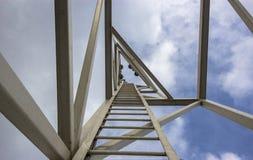 Κατασκευές στον ουρανοξύστη Στοκ εικόνα με δικαίωμα ελεύθερης χρήσης
