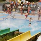 Κατασκευές Aquapark swimming-pool Στοκ εικόνες με δικαίωμα ελεύθερης χρήσης