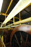 Κατασκευή ενός φυσικού κοχυλιού για το λουκάνικο Κοχύλι κολλαγόνων για τα λουκάνικα Βιομηχανία περιβλημάτων κολλαγόνων για τα προ Στοκ Εικόνες