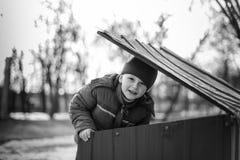 Κατασκευή επισκευής μικρών παιδιών Στοκ Εικόνες