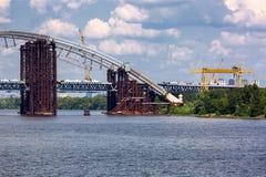 Κατασκευή μιας γέφυρας αψίδων Στοκ φωτογραφία με δικαίωμα ελεύθερης χρήσης