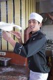 κατασκευή της πίτσας Στοκ εικόνες με δικαίωμα ελεύθερης χρήσης