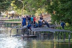 Κατασκευή του αναχώματος στον ποταμό Pekhorka Στοκ εικόνες με δικαίωμα ελεύθερης χρήσης