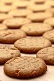 Κατασκευή των μπισκότων φυστικοβουτύρου Στοκ φωτογραφία με δικαίωμα ελεύθερης χρήσης