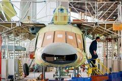 Κατασκευή των ρωσικών ελικοπτέρων στο εργοστάσιο αεροσκαφών Στοκ Εικόνα