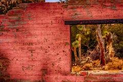 Κατασκευασμένος τοίχος των παλαιών καταστροφών Στοκ φωτογραφία με δικαίωμα ελεύθερης χρήσης