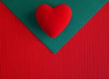 Κατασκευασμένο έγγραφο φακέλων με την καρδιά Στοκ Εικόνες