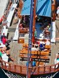 Κατασκευαστές διακοπών στη βάρκα κρουαζιέρας ημέρας Santorini, Ελλάδα στοκ φωτογραφία με δικαίωμα ελεύθερης χρήσης