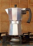 Κατασκευαστής καφέ του τύπου geyzer ` s Στοκ εικόνες με δικαίωμα ελεύθερης χρήσης